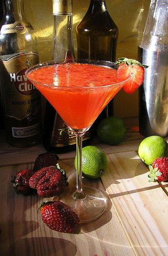 image courtesy of http://www.infobarrel.com/How-To_Make_a_Classic_Strawberry_Daiquiri